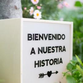 """CAJA DE LUZ """"BIENVENIDOS A NUESTRA HISTORIA"""""""